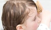 Перхоть у детей - причины, симптоматика, эффективные методы лечения