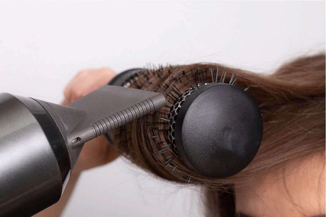 укладка брашингом волос